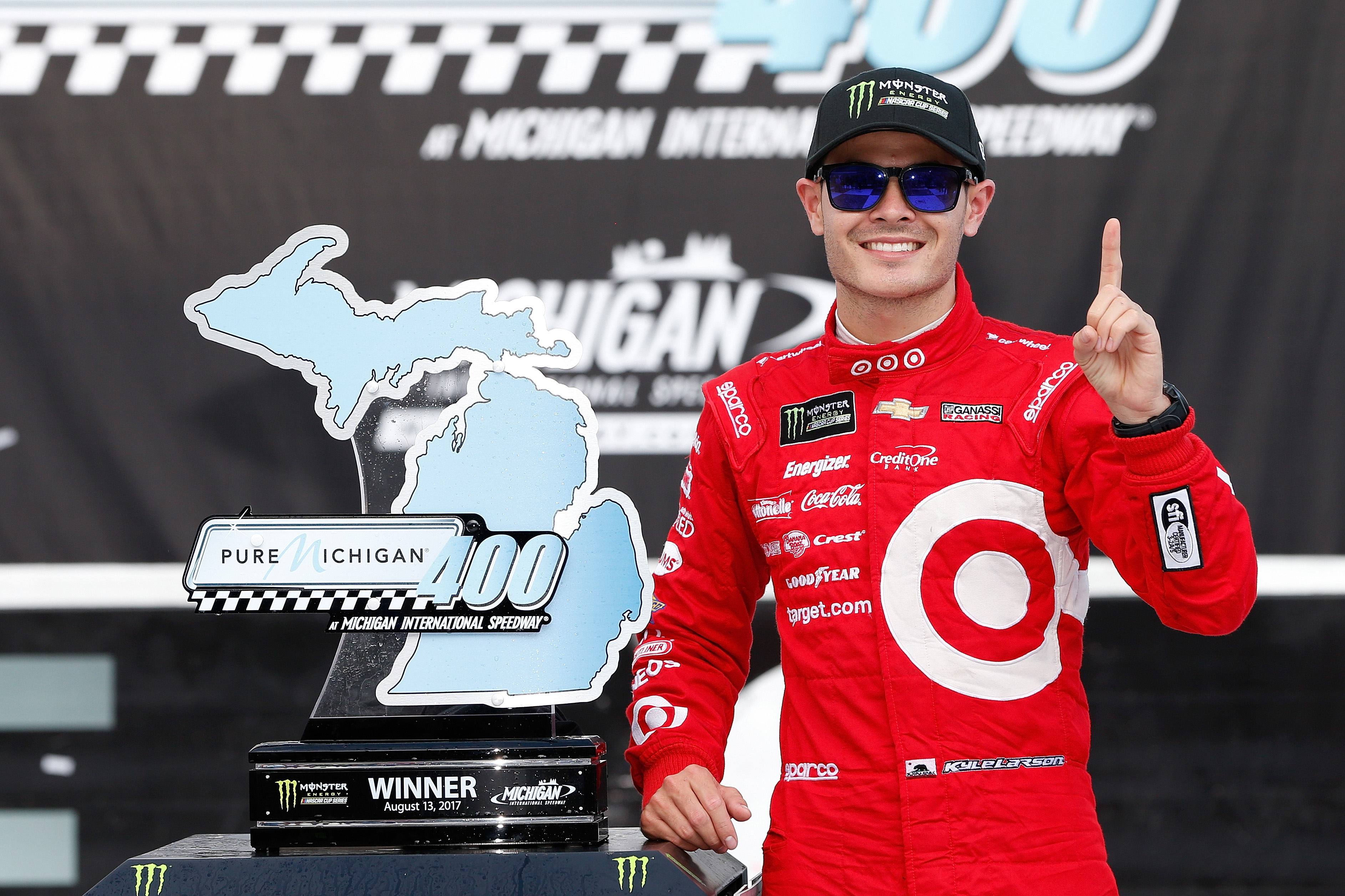 Larson Named to Forbes 2018 30 Under 30 List