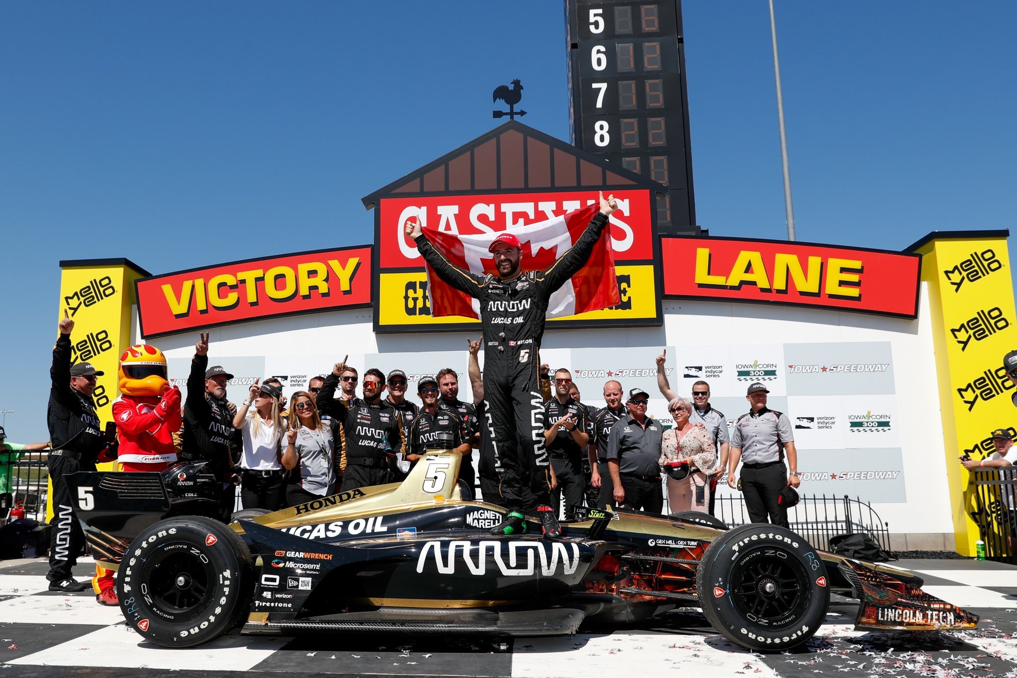 Hinchcliffe Scores First Victory of the Season at Iowa Speedway